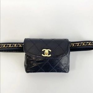🚨 Chanel Vintage Quilted Navy Lambskin Waist Bag